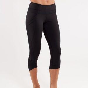lululemon womens 2 chase me crop II black leggings